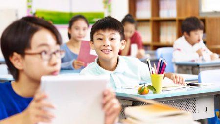 Mơ thấy bạn cùng lớp là điềm báo gì? Đánh con bao nhiêu trúng to?