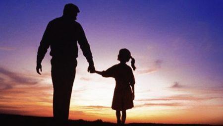 Mơ thấy người cha đã mất là điềm báo gì?