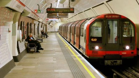 Mơ thấy tàu điện ngầm ẩn chứa cặp số nào may mắn?