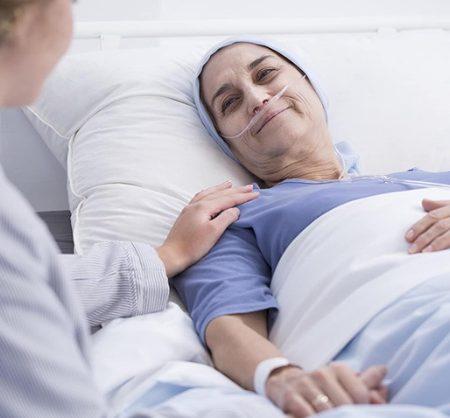 Giải mã giấc mơ thấy bị ung thư đánh con gì?